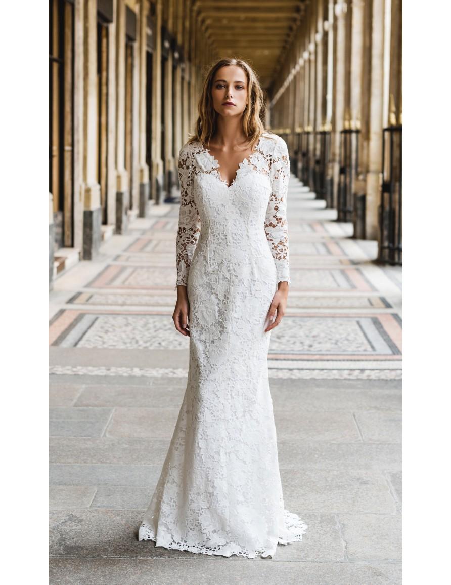 queen wedding dress harpe paris